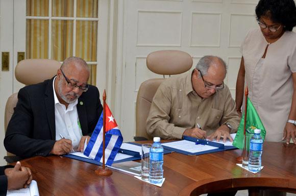 Ministerio de Cultura de Cuba suscribe memorándum de entendimiento con la Organización de Estados del Caribe Oriental