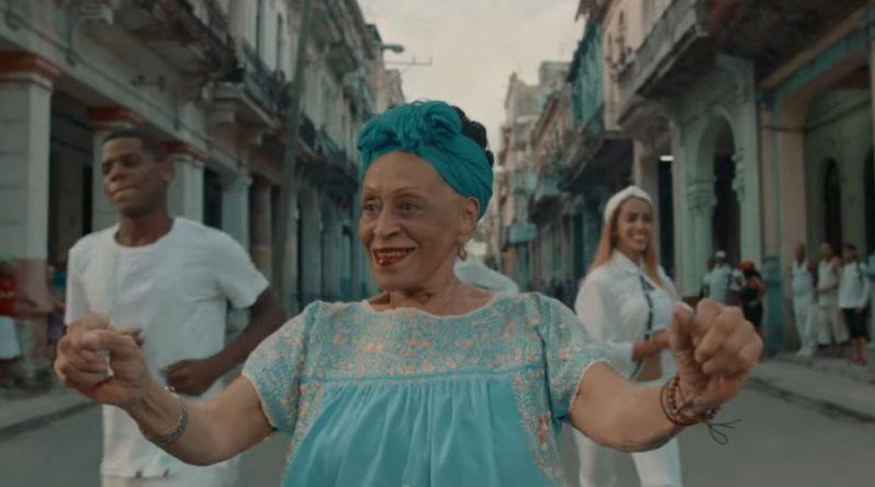 Omara Portuondo estrena Sábanas Blancas